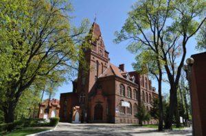 Gmach starostwa powiatowego wzniesiony w stylu neogotyckim w 1897 r.