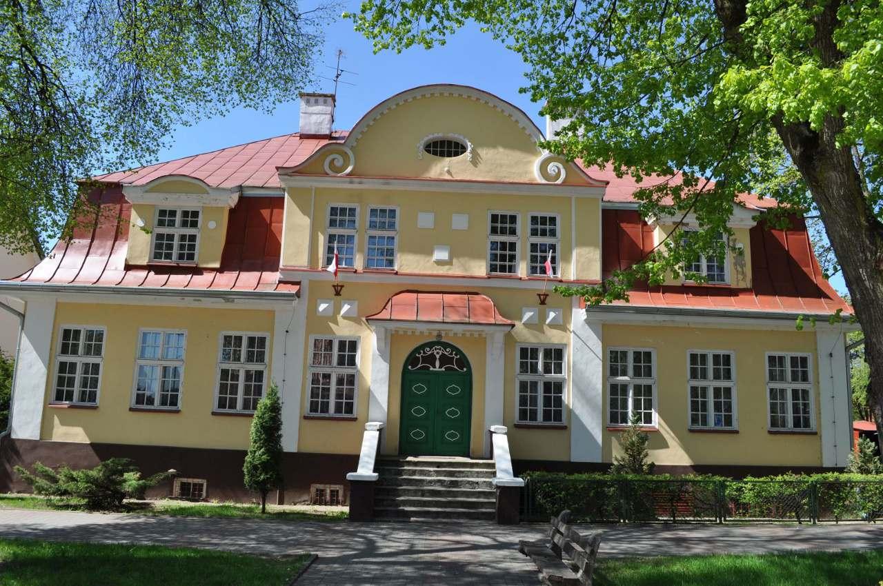 Budynek szkoły rolniczej oddanej do użytku w 1925 r.