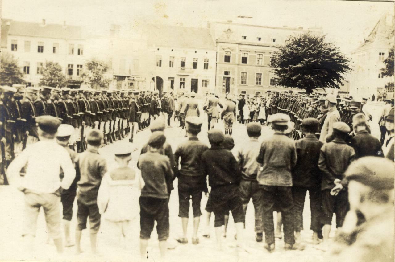 Parada wojskowa w Olecku.