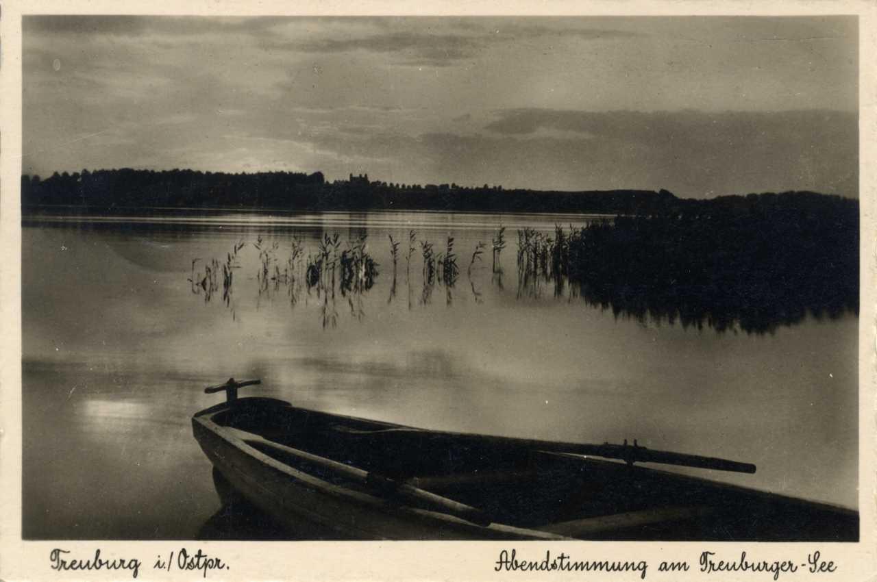 Letni widok na jezioro.