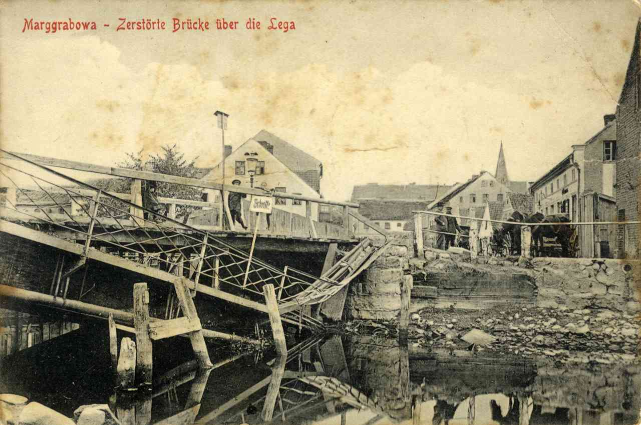 Zniszczony most.