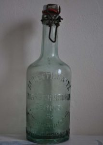 Butelka z fabryki Leffkowitza.