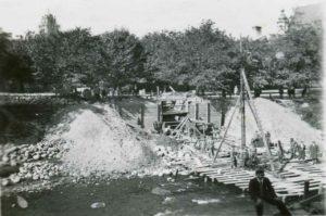 Wilno, budowa syfonu na Zarzeczu, lewy brzeg rzeki Wilenki od ulicy Św. Anny.